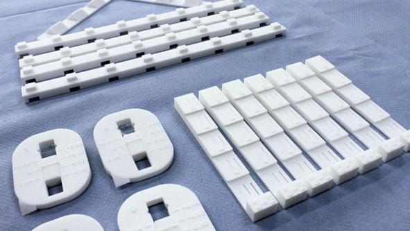 Konstruktionen produziert im Laser-Sinter-Verfahren: Professioneller 3D-Druck lohnt z. B. im Maschinenbau
