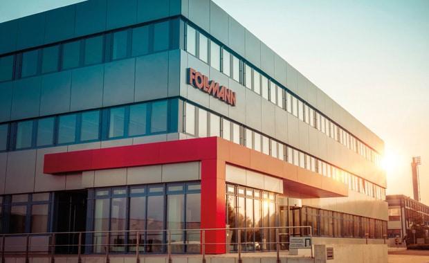 Der Chemiekonzern Follmann erhöht die Preise für alle Produkte um sieben Prozent. Ab April sind damit auch Druckfarben und Klebstoffe des Herstellers teurer.
