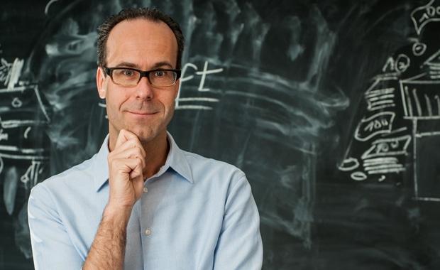 """Professor Dr. Frank T. Piller von der RWTH Aachen wird auf dem Online Print Symposium in München über das Thema """"Mass Customization"""" referieren."""