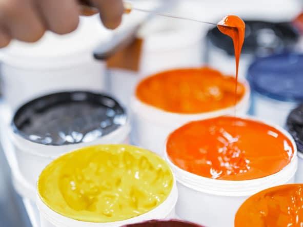 Druckfarben bestehen aus Pigmenten, Binde-, Lösungsmitteln, Additiven