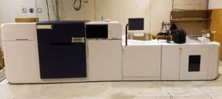 Die Smart Letter & Services Versand GmbH in Innsbruck, Tochterunternehmen und Druckzentrum des SOS-Kinderdorf e.V., hat in eine Xerox Rialto 900 investiert, die gerade noch aufgebaut wird.