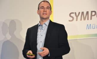 Dr. David Schölgens hat auf dem Online Print Symposium 2018 die Hintergründe und Funktionsweise von Autlay.com erklärt.