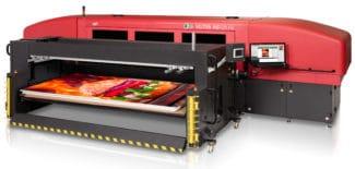 Der Hybriddrucker EFI Vutek HS125 F4 ergänzt die Produktionskapazitäten von Flyeralarm im LFP-Bereich.
