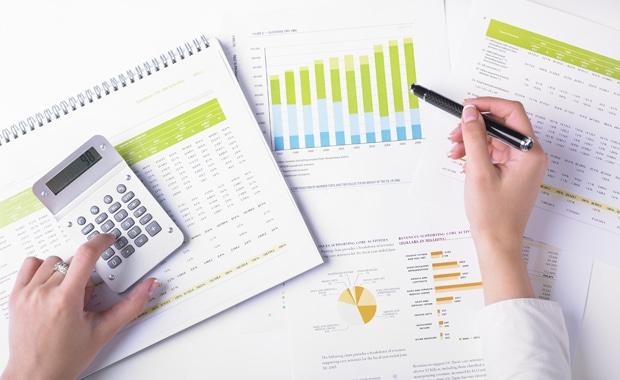 Lassen Sie sich bei Investitionsentscheidungen in der Druckindustrie von Finanzexperten beraten.