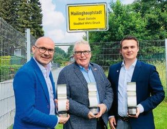 In gleich drei Kategorien hat Wirtz Druck bei den Druck&Medien Awards 2017 abgesahnt. Im Bild, von links: Vinzenz, Jürgen und Mark Schmidt.