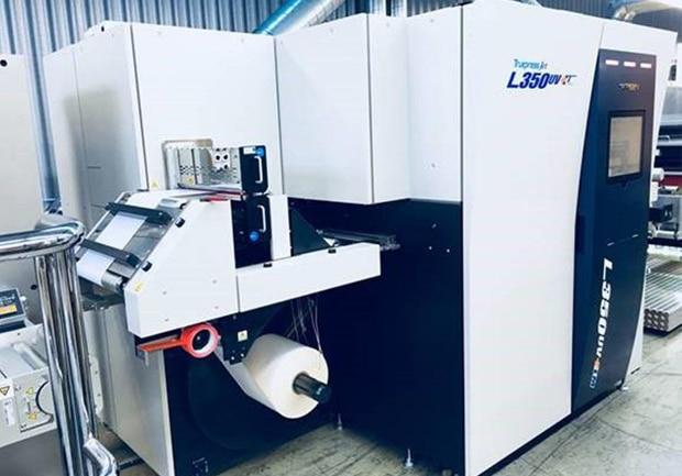 Bei der Schweizer Etiketten- und Verpackungsdruckerei Etimark AG wird seit März mit einer neuen Truepress Jet L350UV+LM produziert-