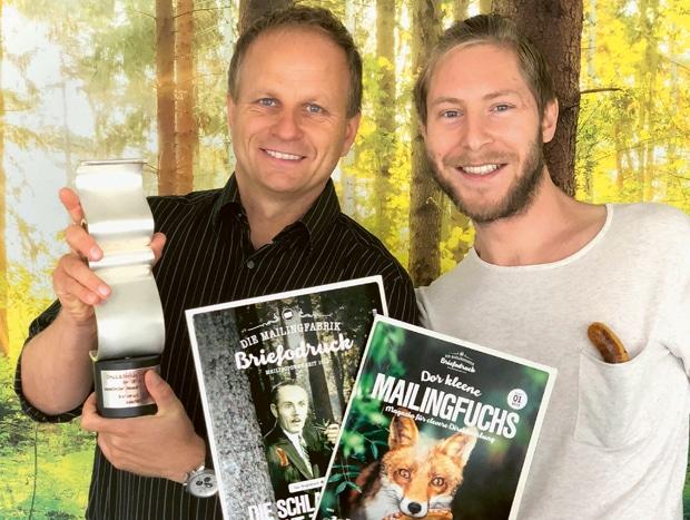Die Mailingfabrik Briefodruck hat bei den Druck&Medien Awards 2017 den IOP-Award als innovativster Onlinedrucker des Jahres gewonnen. Im Bild: Geschäftsführer Frank Fülle (li.) und PR- und Marketin-Verantwortlicher Andreas Schütz.