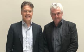 Martin Hartmann (l.) und Frank van Deursen, Vertriebsmanager von Micron Media in Deutschland und den Benelux-Staaten, haben reichlich Computer-to-Plate-Erfahrung.