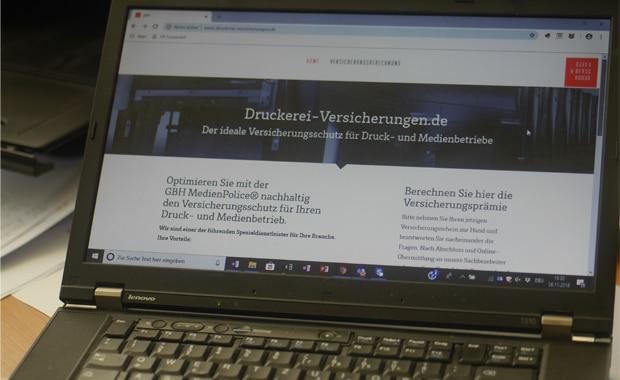 Medien-Versicherung: Seine individuelle Jahresversicherungsprämie schnell im Web berechnen – mit dem neuen Onlinerechner der Gayen & Berns • Homann GmbH (GBH).