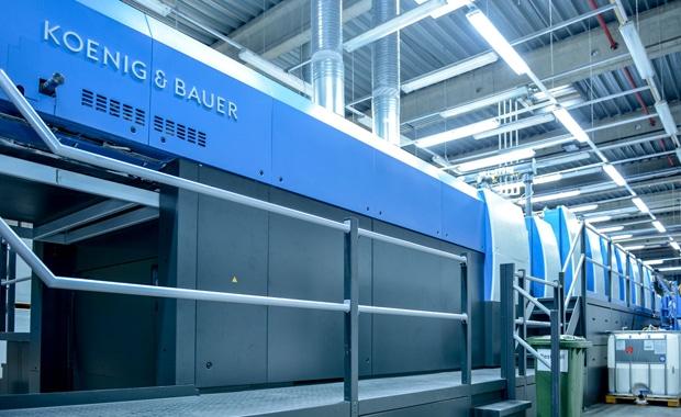 Die Rapida 145 im Drucksaal von Hammer ist auf die Bedürfnisse des Verpackungsbetriebes zugeschnitten.