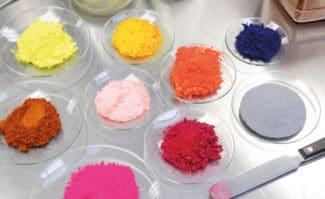 Der Druckfarbenhersteller Siegwerk hat angekündigt, die Preise auf Verpackungsdruckfarben und -lacke ab Februar 2019 zu erhöhen. Grund seien die gestiegenen Rohstoffpreise.