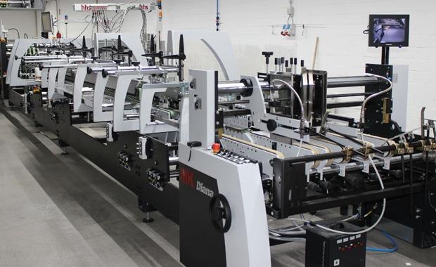 Die Graphische Betriebe Kip GmbH + Co. KG in Neuenhaus hat in einer Faltschachtel-Klebemaschine Diana Smart 115 der Heidelberger Druckmaschinen AG investiert.