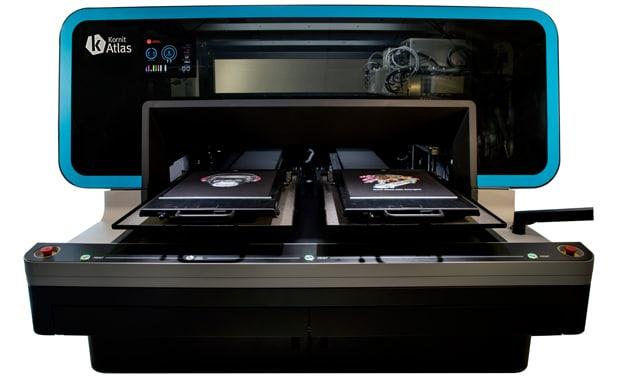 Mit der Atlas stellt Kornit Digital seine neue Technologie-Plattform für den digitalen Textildirektdruck vor. Die Kornit Atlas soll auch auf der Fespa in München zu sehen sein.