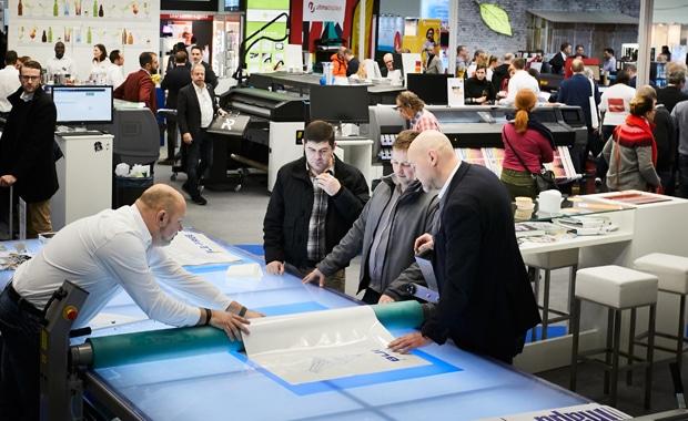 Viscom hat als Teil des Messetrios aus Viscom, PSI und Promotex Expo in diesem Jahr wieder ein Besucherplus verzeichnet.