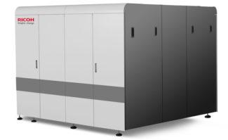 Mit dem Pro VC20000 erweitert Ricoh sein Portfolio an Endlos-Inkjetdrucksystemen mit einem kompakten System für den Farbdruck.