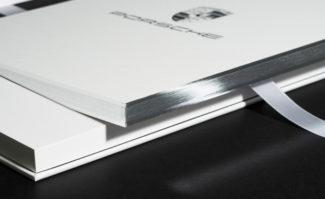 Druckerzeugnisse: Printprodukte, die ins Auge fallen: Die Druckpartner-Gesellschafter Michael Matschuck und Gerhard Florian zeigen ihre aktuellen Favoriten.