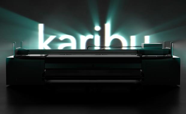 Karibu, der neue reine Rollendrucker von Swiss-Q-Print feiert auf der Fespa Global Print Expo in München seine Premiere.