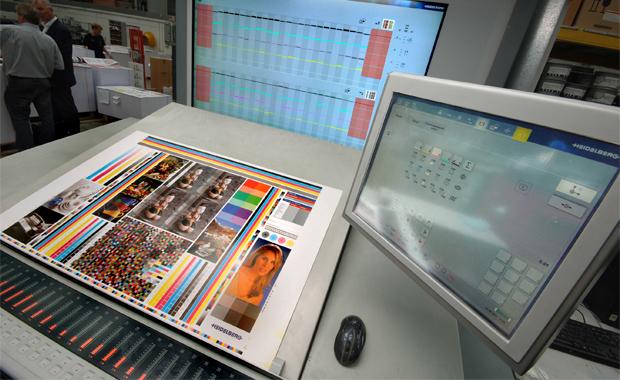 Farbmanagement: Farbabstimmung an der Druckmaschine – wie gut sind Profis in der Farbbeurteilung?