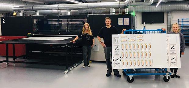 Kroschke Sign-International investiert in Hybriddrucker Jeti Tauro H2500 LED Großformatdruck