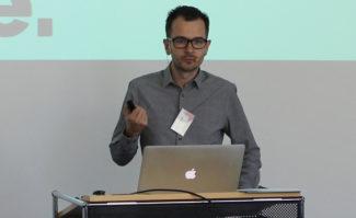 Druckindustrie: In seiner bekannt ruhigen und sachlichen Art brachte Georg Obermayr auf dem »Hello Future«-Kongress von VDMB und Fogra mit einfachen Mitteln Klarheit hinter den Begriff »Digitalisierung« – und was er tatsächlich für die Druckindustrie bedeutet.