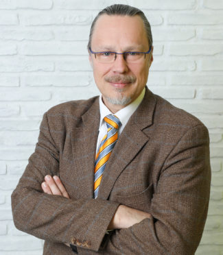 Thomas Grübner ist geschäftsführender Gesellschafter der Elbe-Leasing GmbH (Dresden) und Autor der Artikel-Serie »Finanztipps« im Fachmagazin Grafische Palette.