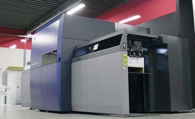 Marketingspezialist Sidekix investiert in Accuriojet KM-1 von Konica Minolta Digitaldruck Inkjet Bogendruck Mailingproduktion