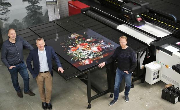 Sign-Display-Druckerei Unfold investiert in Anapurna H3200i LED von Agfa Graphics Großformatdruck Inkjet Digitaldruck