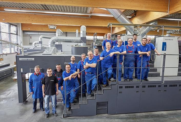 Großformatdruck: Das »Team Print« der Druckhaus Götz GmbH wartet gespannt auf die neue Manroland Evolution 708 PLV mit Direct Drive, die im September 2020 geliefert werden soll.