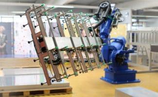 Computer-to-Plate: Der neue Plattenladeroboter von Agfa.