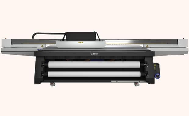 Large Format Printing: die neue Flachbett-Druckerserie Canon Arizona 2300 mit Flow-Technologie.