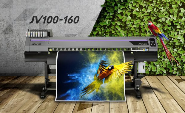 Konzipiert für Neueinsteiger im Bereich Large Format Printing: der neue Solvent-Drucker JV100-160 von Mimaki.