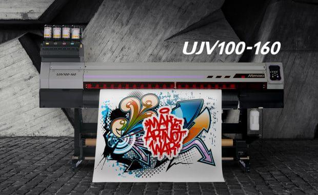 Large Format Printing: Der UJV100-160 ist Mimakis neuer Einstiegs-UV-Inkjetdrucker von Rolle-zu-Rolle.