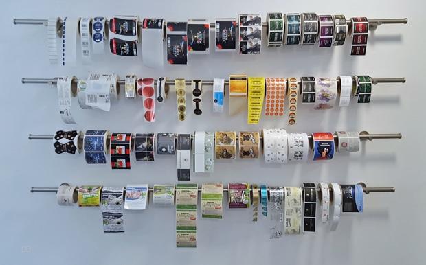 Etikettendrucker: Rollenetiketten aus dem Hause Papier-Schäfer, Weinheim.