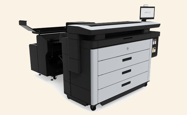 Large Format Printing: Der neue HP Pagewide XL Pro 8200 mit F60-Faltvorrichtung mit Heftstreifenautomat.